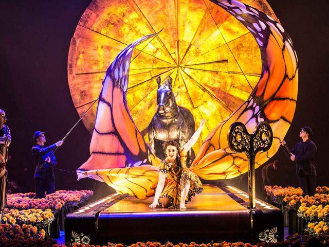Cirque du Soleil: Luzia