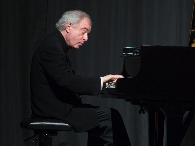 Sir Andras Schiff- Bach Partitas